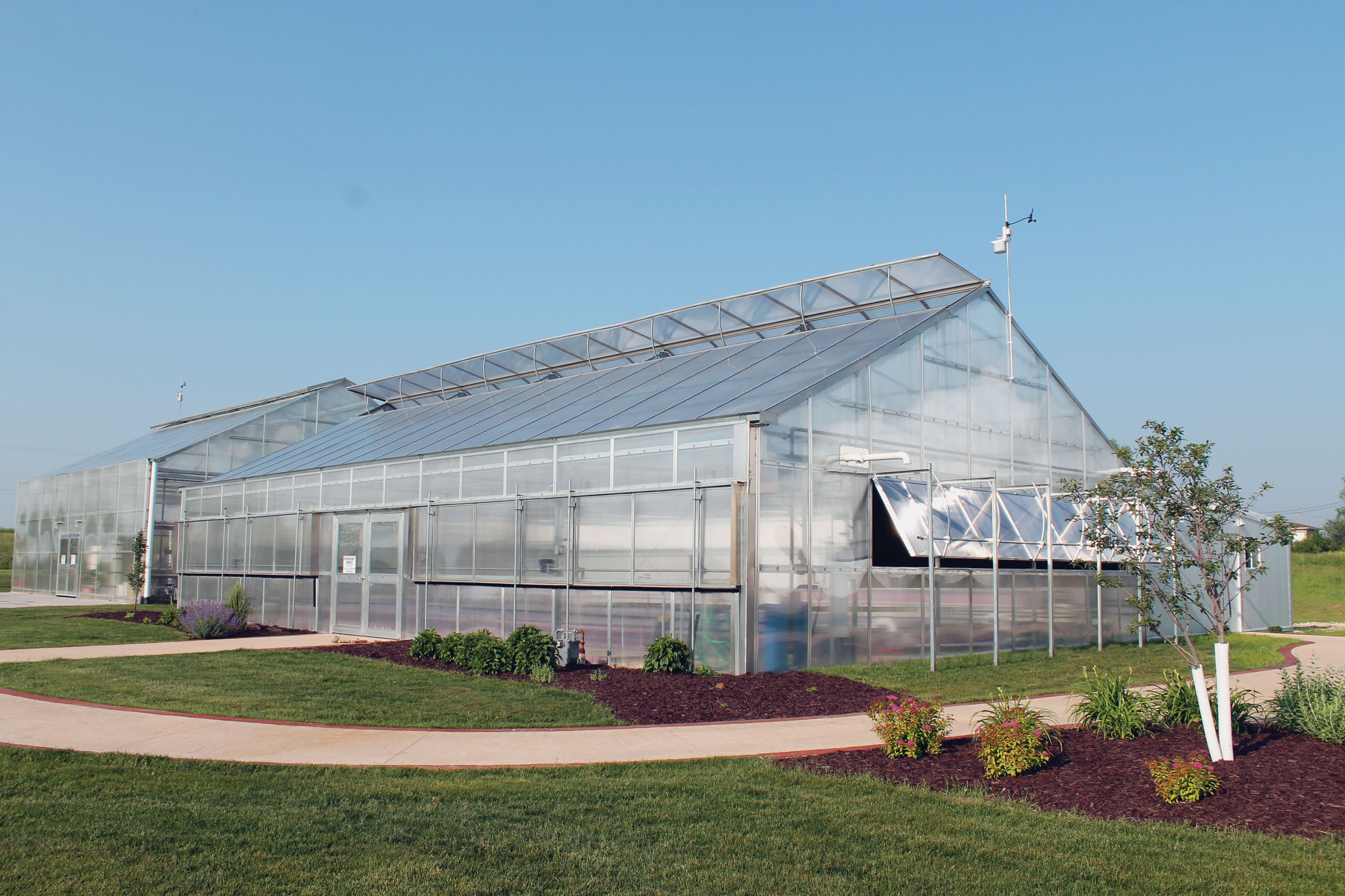 Commercial Greenhouses Offer Standard And Custom Sizes